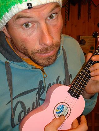 jody-laoureux-guitare-rose-guide-montagne